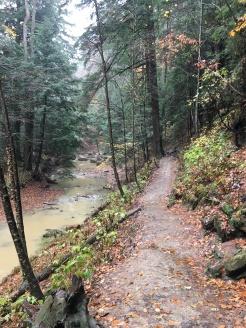 hocking hills hiking trail 2