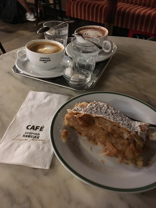Vienna 15 coffee house