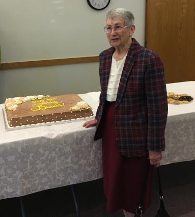 Mom 90 Birthday cake
