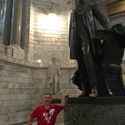 Glen with the two civil war presidents born in KY--Lincoln and David--born 100 miles apart
