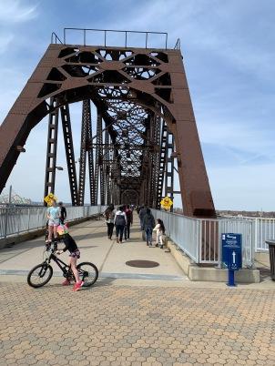 Louisville walking bridge